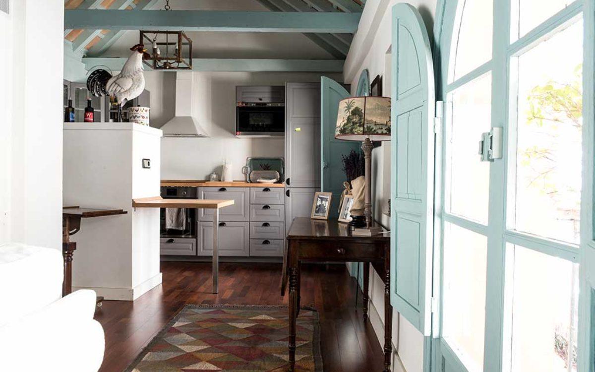 Estudio de arquitectura, construcción e interiorismo Auna Sevilla. Mobiliario y decoración. Cocina proyecto María Barroso.