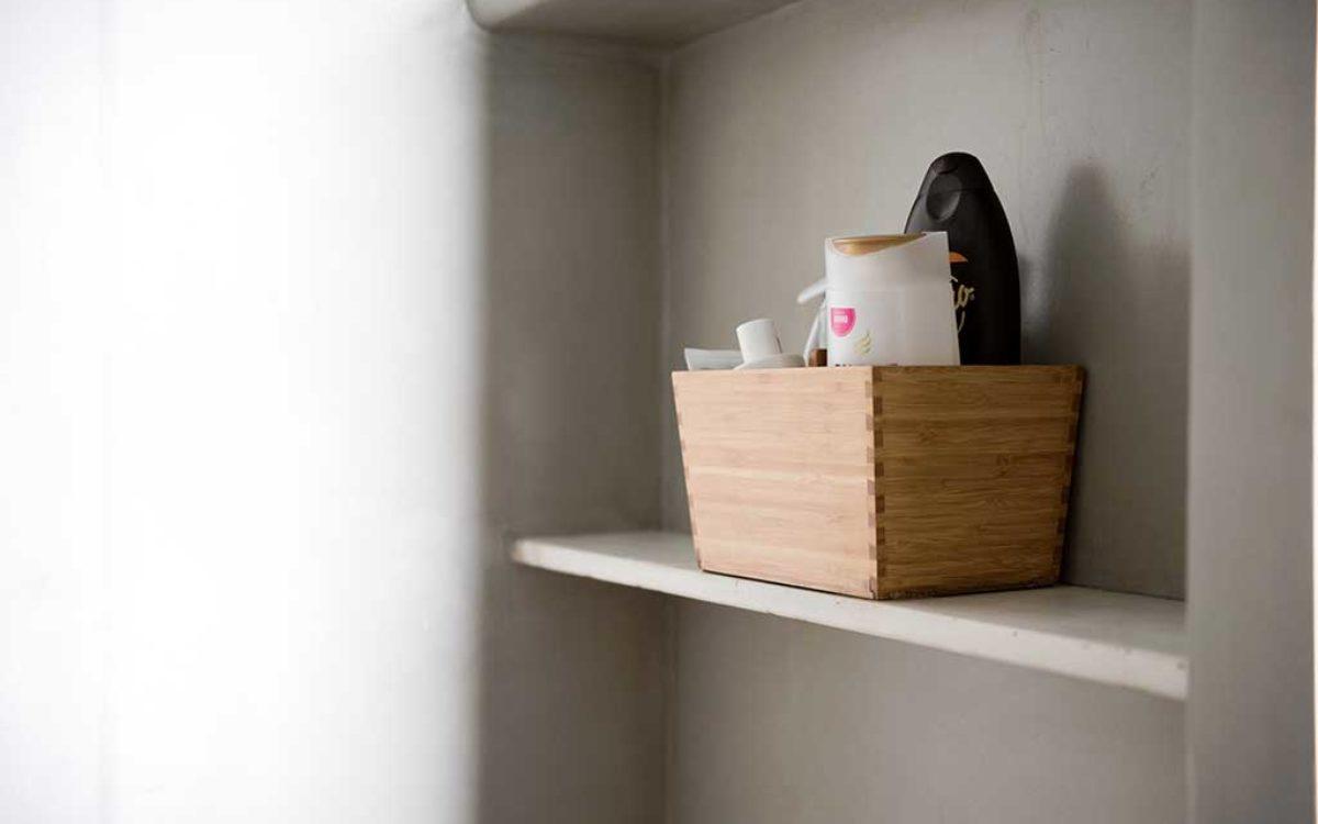 Estudio de arquitectura, construcción e interiorismo Auna Sevilla. Mobiliario y decoración. Baño proyecto María Barroso 3